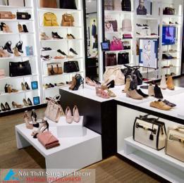 Mẫu thiết kế shop giày và túi xách