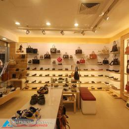 Mẫu thiết kế shop giày và túi xách nữ